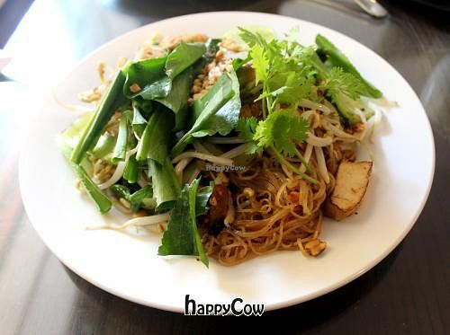"""Photo of Evergreen Vegetarian House  by <a href=""""/members/profile/kezia"""">kezia</a> <br/>Phad Thai Noodle with Tofu!! my favorite dish on the menu at Evergreen Vegetarian House. Best vegan Phad Thai in Cambodia :)   <br/> February 13, 2013  - <a href='/contact/abuse/image/9810/44155'>Report</a>"""