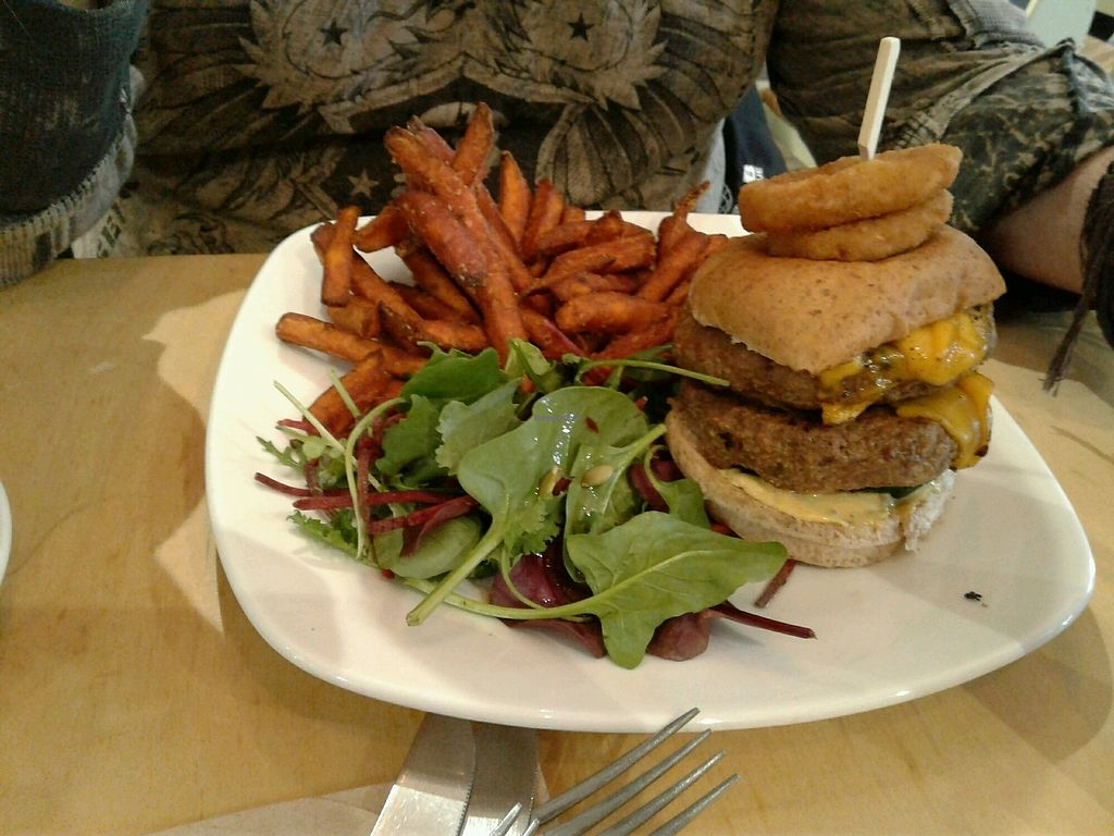 "Photo of Cafe Thrive  by <a href=""/members/profile/JuliaHubbard"">JuliaHubbard</a> <br/>double burger  <br/> March 12, 2018  - <a href='/contact/abuse/image/98116/369788'>Report</a>"
