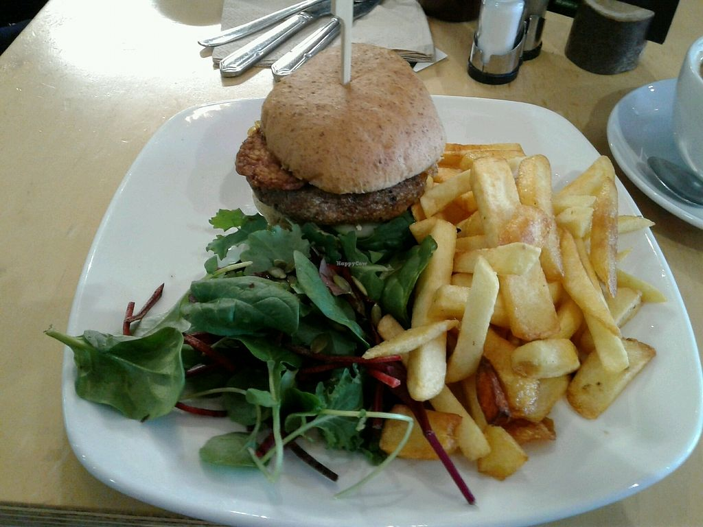 "Photo of Cafe Thrive  by <a href=""/members/profile/JuliaHubbard"">JuliaHubbard</a> <br/>meaty burger with tempeh  <br/> March 12, 2018  - <a href='/contact/abuse/image/98116/369789'>Report</a>"