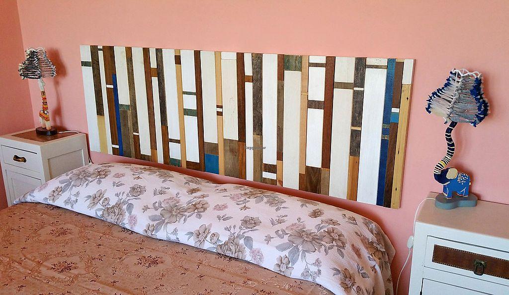 """Photo of Gigetto 1910  by <a href=""""/members/profile/GIGETTO1910"""">GIGETTO1910</a> <br/>Per la Camera Rosa abbiamo costruito la testiera del legno con materiale di recupero, e creato due lampade in legno ispirandoci alla giraffa e all'elefante <br/> September 9, 2017  - <a href='/contact/abuse/image/98131/302317'>Report</a>"""