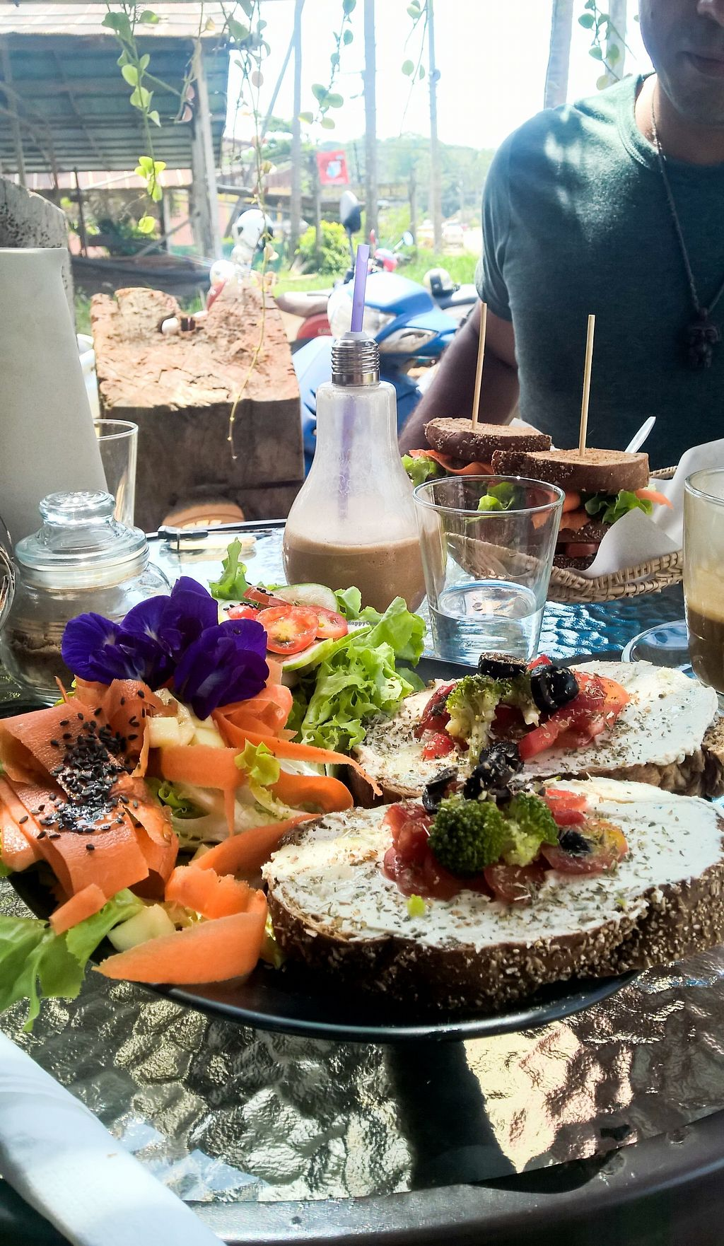 """Photo of Kaya Caffe  by <a href=""""/members/profile/tofu-n-beer"""">tofu-n-beer</a> <br/>Vegan bruschetta <br/> December 16, 2017  - <a href='/contact/abuse/image/98208/336103'>Report</a>"""