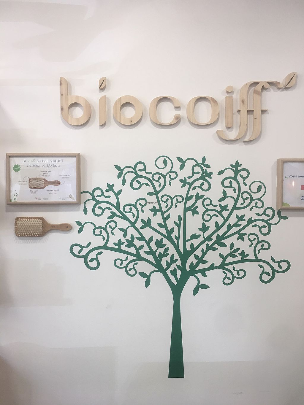 """Photo of Biocoiff- Paris 4   by <a href=""""/members/profile/Sarkel"""">Sarkel</a> <br/>Behind reception  <br/> September 19, 2017  - <a href='/contact/abuse/image/98238/306057'>Report</a>"""
