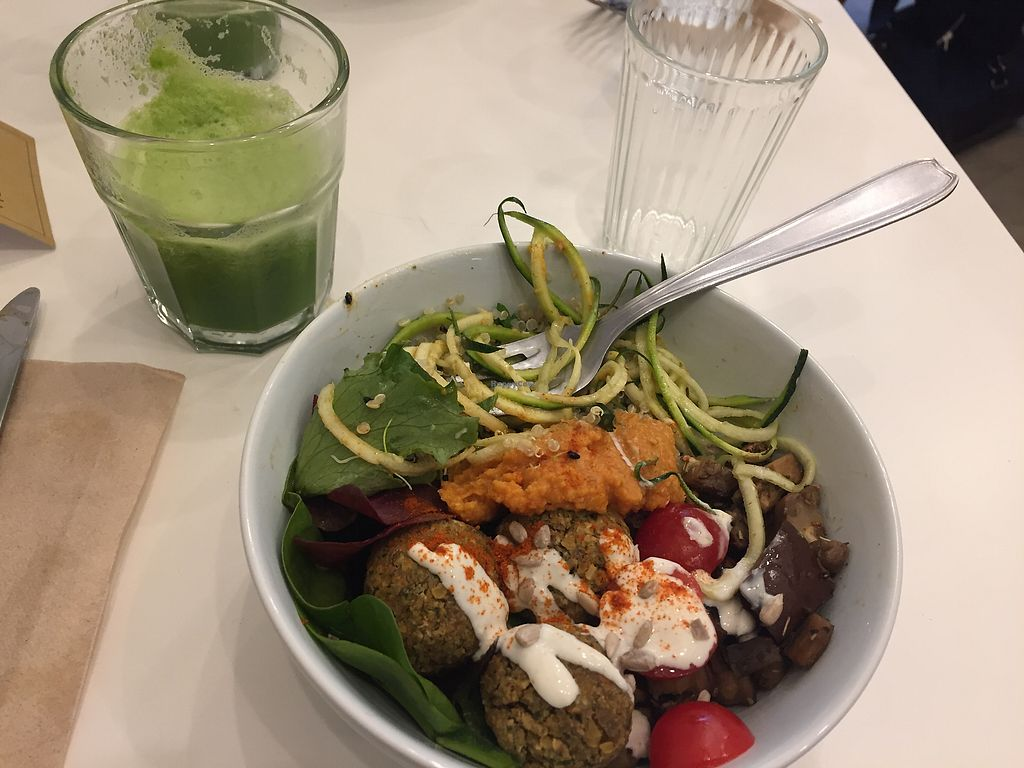 """Photo of Comptoir Veggie  by <a href=""""/members/profile/happydkt"""">happydkt</a> <br/>Buddha bowl Sept 17 <br/> October 1, 2017  - <a href='/contact/abuse/image/98252/310651'>Report</a>"""