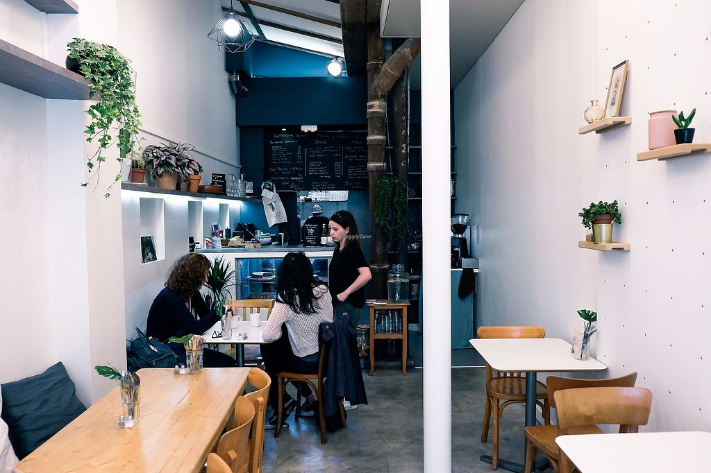 """Photo of Comptoir Veggie  by <a href=""""/members/profile/ninabynature"""">ninabynature</a> <br/>The space on the inside. A cozy place to call home! <br/> October 27, 2017  - <a href='/contact/abuse/image/98252/319213'>Report</a>"""