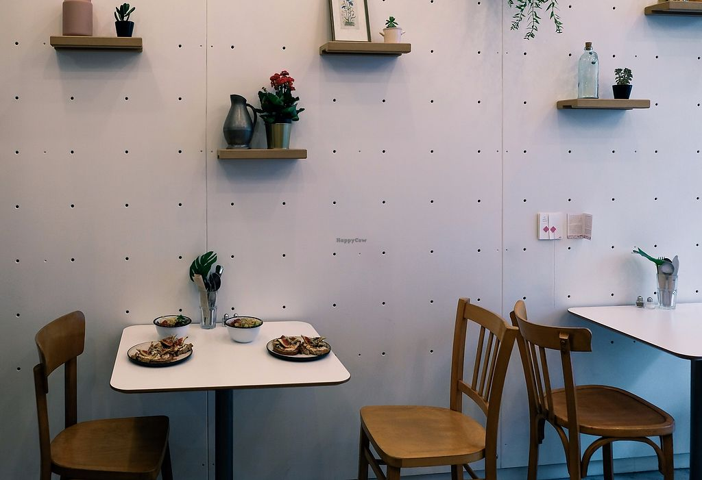 """Photo of Comptoir Veggie  by <a href=""""/members/profile/ninabynature"""">ninabynature</a> <br/>Beautiful interior decoration <br/> October 27, 2017  - <a href='/contact/abuse/image/98252/319214'>Report</a>"""