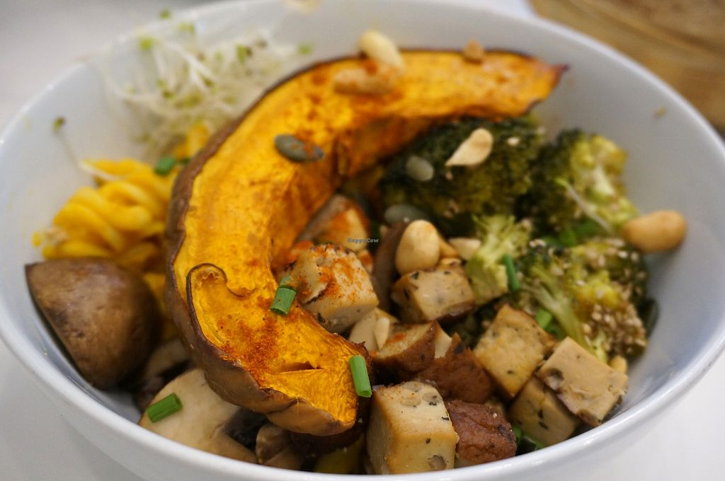 """Photo of Comptoir Veggie  by <a href=""""/members/profile/Ricardo"""">Ricardo</a> <br/>Buddha Bowl of the week <br/> April 1, 2018  - <a href='/contact/abuse/image/98252/379421'>Report</a>"""