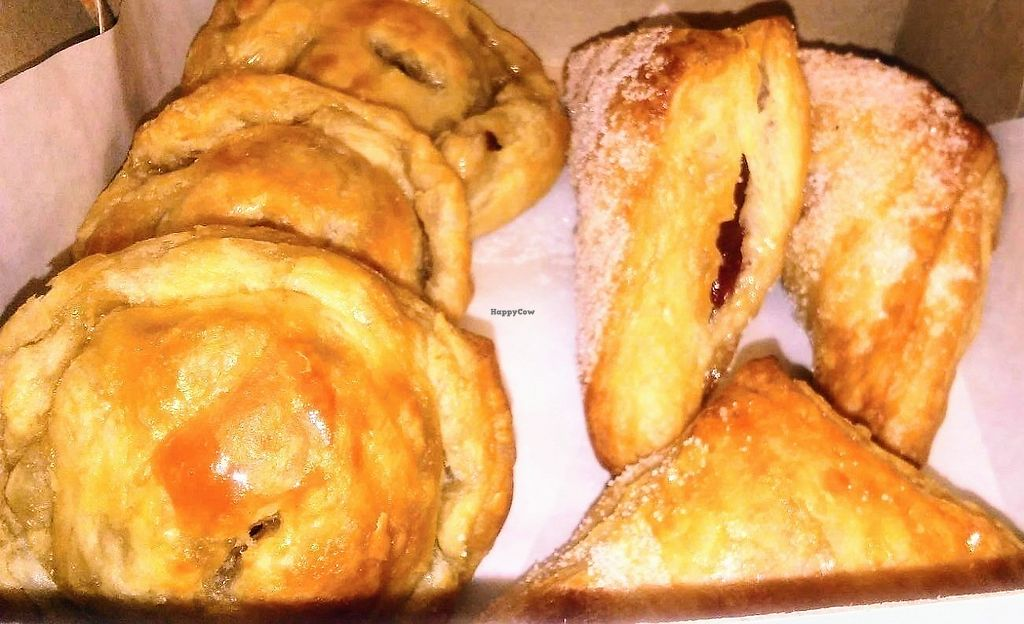 """Photo of The Happy Vegan Bakers  by <a href=""""/members/profile/Nat83"""">Nat83</a> <br/>""""Meat"""" and guava n cheeze pastelitos <br/> August 10, 2017  - <a href='/contact/abuse/image/98276/291253'>Report</a>"""