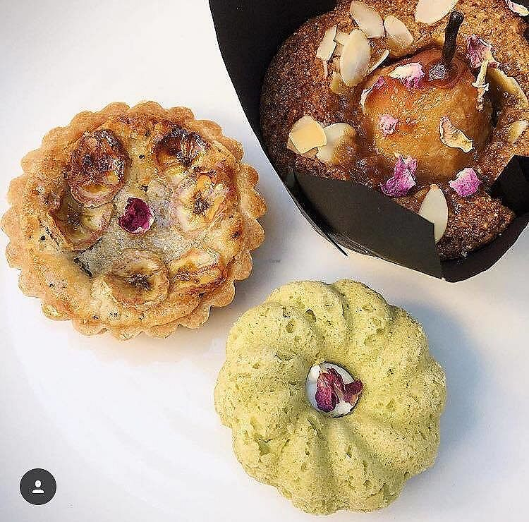 "Photo of Manmaru  by <a href=""/members/profile/RemyWilliams"">RemyWilliams</a> <br/>Vegan cakes! Matcha melting moments, caramel pear cake and frangipani, banana, date and earl grey tart <br/> August 10, 2017  - <a href='/contact/abuse/image/98294/291098'>Report</a>"