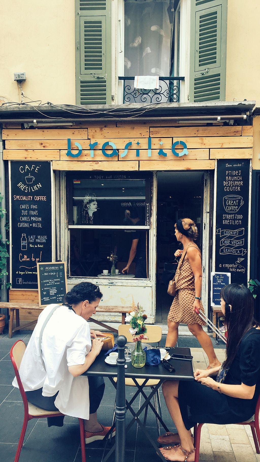 "Photo of Brasilia Boite a Cafe  by <a href=""/members/profile/Meadhbh91"">Meadhbh91</a> <br/>the front  <br/> August 11, 2017  - <a href='/contact/abuse/image/98296/291533'>Report</a>"