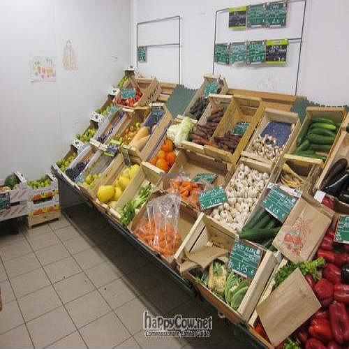 "Photo of La Vie Claire  by <a href=""/members/profile/Ton"">Ton</a> <br/>fresh vegetables and fruit room <br/> September 13, 2011  - <a href='/contact/abuse/image/9829/10602'>Report</a>"