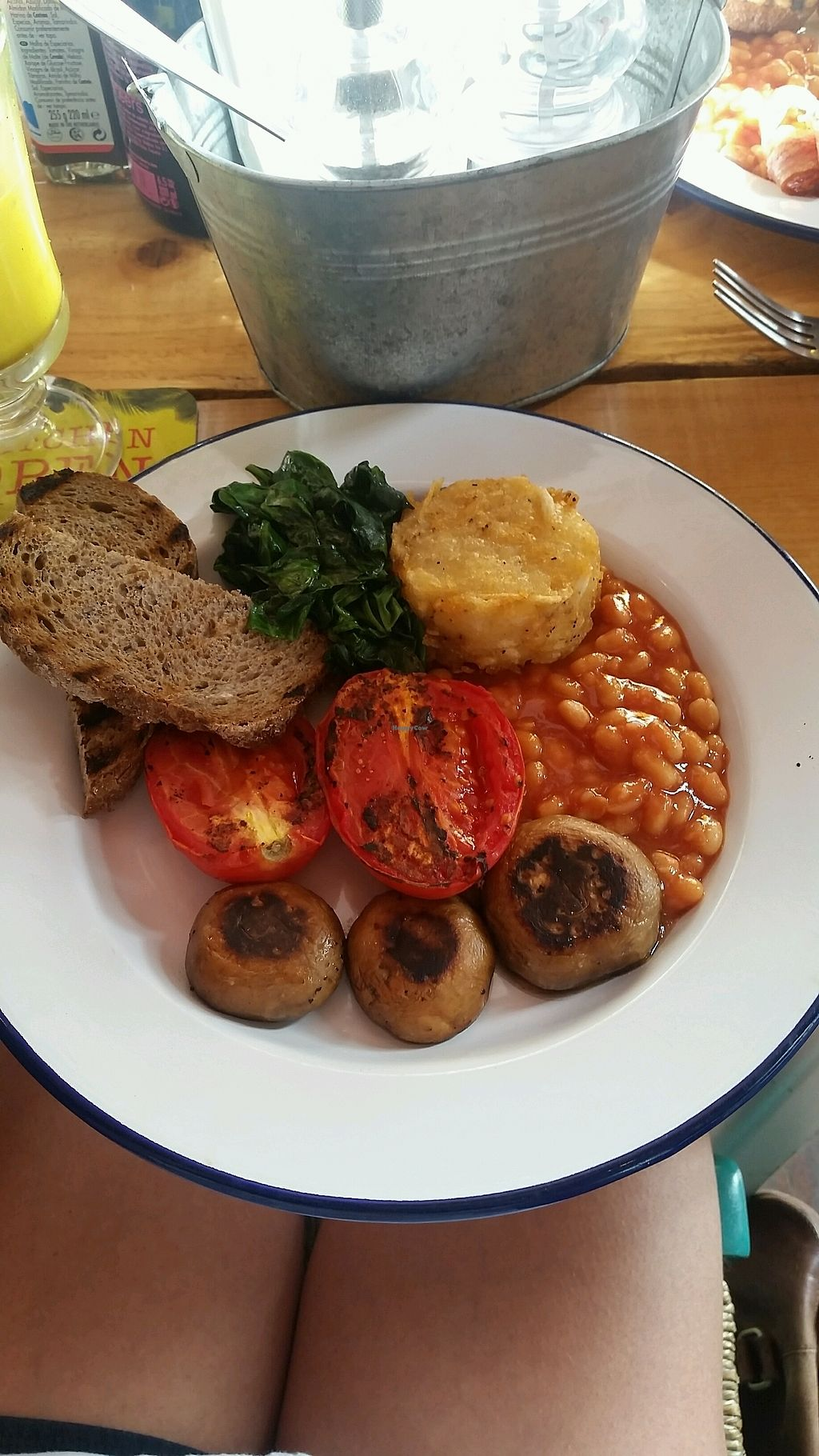 """Photo of Project Social  by <a href=""""/members/profile/rominargh"""">rominargh</a> <br/>veggie full English with no egg (to make it vegan) <br/> October 4, 2017  - <a href='/contact/abuse/image/98326/311601'>Report</a>"""