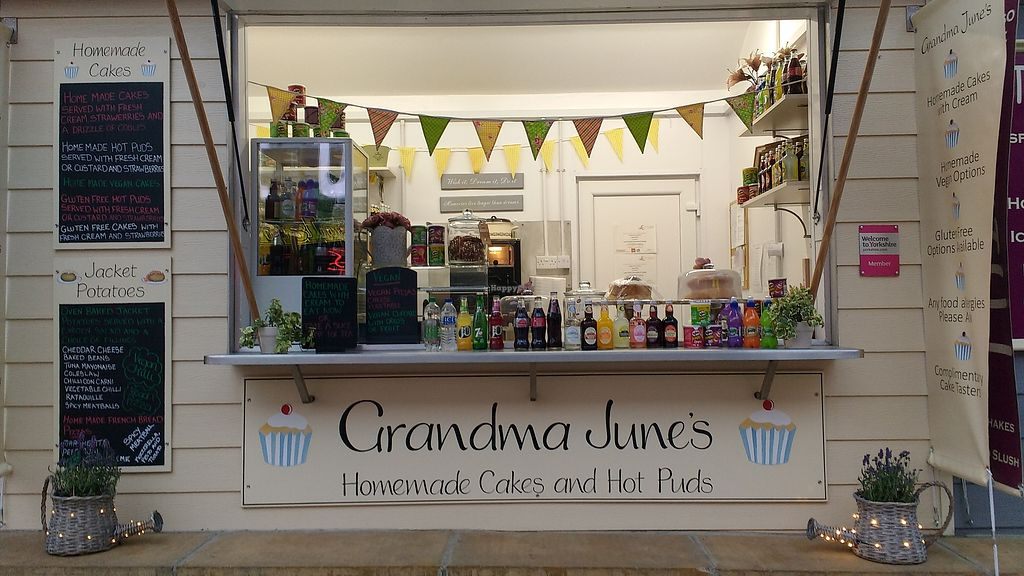 "Photo of Grandma June's - Food Cart  by <a href=""/members/profile/Grandmajunes"">Grandmajunes</a> <br/>A warm welcome greets you when you visit our busy kiosk. We specialise in vegan meals too. Try our winter homemade chunky veg stew or our homemade vegan pizza. In the summer months our vegan ploughman's is very popular. If your undecided come and have a vegan chilli jacket potato. This year's special has been our homemade vegan fruit cake which customers tell me it tastes like Christmas pudding. We look forward to seeing you ? <br/> October 13, 2017  - <a href='/contact/abuse/image/98346/314795'>Report</a>"