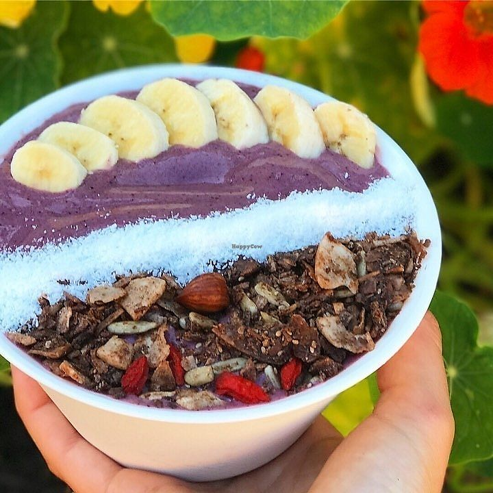 "Photo of Dripping Bowl - Food Trailer  by <a href=""/members/profile/AndiKate"">AndiKate</a> <br/>My acai bowl.. topped with fresh banana, coconut and gluten free Nelson (NZ) granola! <br/> November 12, 2017  - <a href='/contact/abuse/image/98372/324907'>Report</a>"