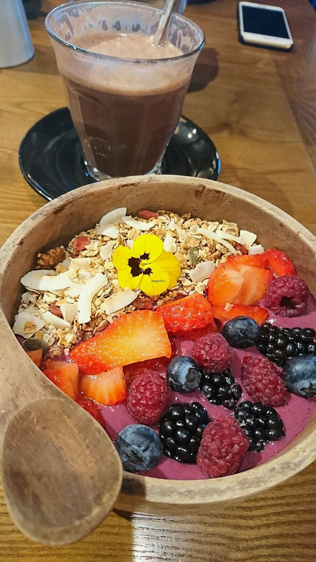 """Photo of Zenith  by <a href=""""/members/profile/HedvigMio"""">HedvigMio</a> <br/>vegan smoothie bowl and peppermint hot chocolate <br/> December 2, 2017  - <a href='/contact/abuse/image/98408/331462'>Report</a>"""