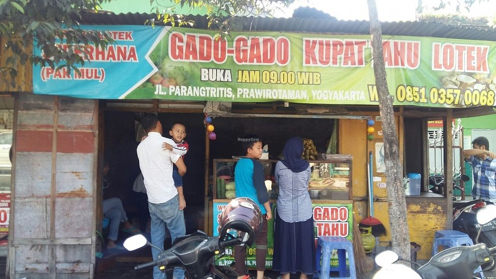 "Photo of Pak Mul Lotek - Food Stall  by <a href=""/members/profile/garrowq"">garrowq</a> <br/>Front view <br/> August 12, 2017  - <a href='/contact/abuse/image/98432/291849'>Report</a>"