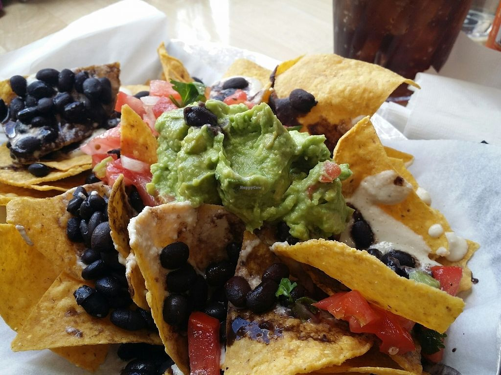 """Photo of Ed's Cantina & Grill  by <a href=""""/members/profile/purplesnowcone"""">purplesnowcone</a> <br/>vegan nachos  <br/> August 12, 2017  - <a href='/contact/abuse/image/98433/292063'>Report</a>"""