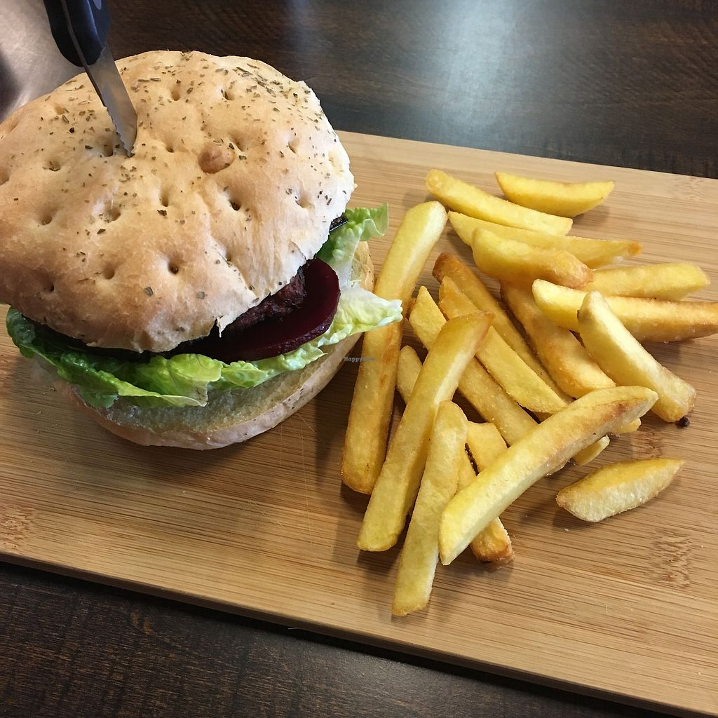 """Photo of Red Brik caffe  by <a href=""""/members/profile/SchedeenSnowden"""">SchedeenSnowden</a> <br/>Read bean burger <br/> November 10, 2017  - <a href='/contact/abuse/image/98439/324030'>Report</a>"""