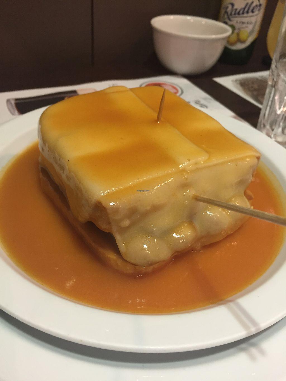 "Photo of Lado B Cafe - Rua de Passos Manuel  by <a href=""/members/profile/lmd06"">lmd06</a> <br/>Francesinha <br/> September 29, 2017  - <a href='/contact/abuse/image/98640/309664'>Report</a>"