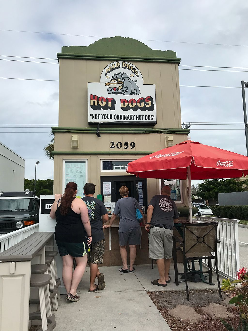 """Photo of Mad Dogs Hot Dogs  by <a href=""""/members/profile/Banana%20Buzzbomb"""">Banana Buzzbomb</a> <br/>Outside <br/> November 21, 2017  - <a href='/contact/abuse/image/98759/327884'>Report</a>"""