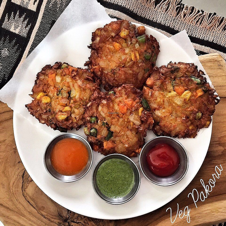 "Photo of Bollywood Indian Restaurant  by <a href=""/members/profile/celticwarrior"">celticwarrior</a> <br/>Veg Pakodas <br/> November 6, 2017  - <a href='/contact/abuse/image/98920/322548'>Report</a>"