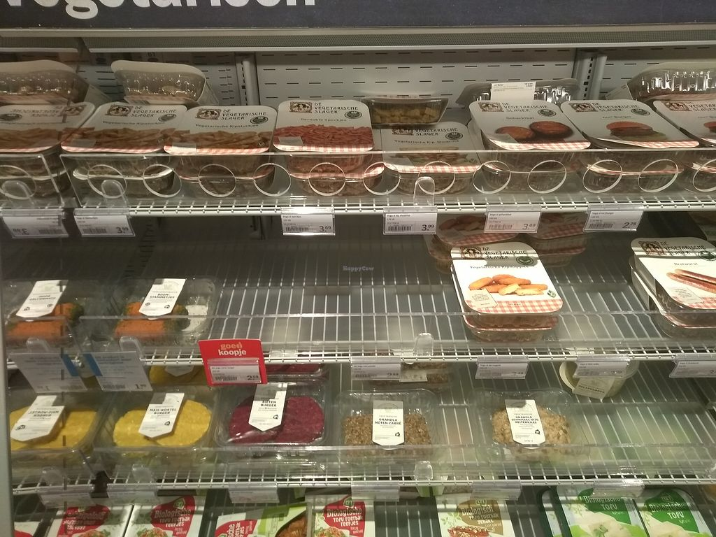 """Photo of AH Scharnerweg  by <a href=""""/members/profile/thenaturalfusions"""">thenaturalfusions</a> <br/>Vegan and vegetarian products in Albert Heijn Scharnerweg <br/> August 22, 2017  - <a href='/contact/abuse/image/99093/295782'>Report</a>"""