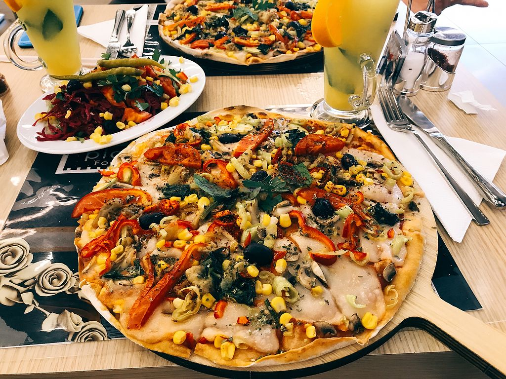 """Photo of CLOSED: Pidemex  by <a href=""""/members/profile/veganoteacher"""">veganoteacher</a> <br/>Vegan Pizza  <br/> August 21, 2017  - <a href='/contact/abuse/image/99101/295166'>Report</a>"""