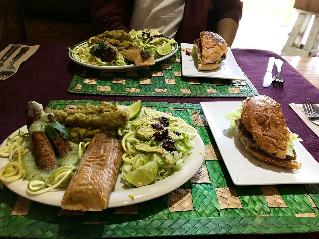 """Photo of El Ameno  by <a href=""""/members/profile/smilesamveggie"""">smilesamveggie</a> <br/>Mixed plate and burger kindly split by the staff  <br/> February 25, 2018  - <a href='/contact/abuse/image/99149/363413'>Report</a>"""