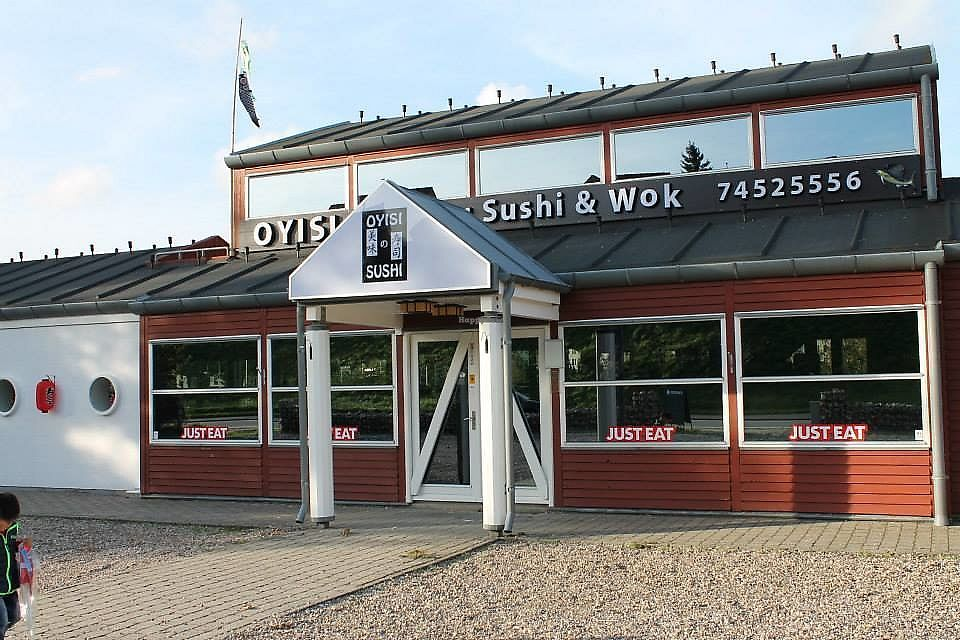 "Photo of Oyisi Running Sushi & Wok  by <a href=""/members/profile/community5"">community5</a> <br/>Oyisi Running Sushi & Wok <br/> August 25, 2017  - <a href='/contact/abuse/image/99203/297237'>Report</a>"