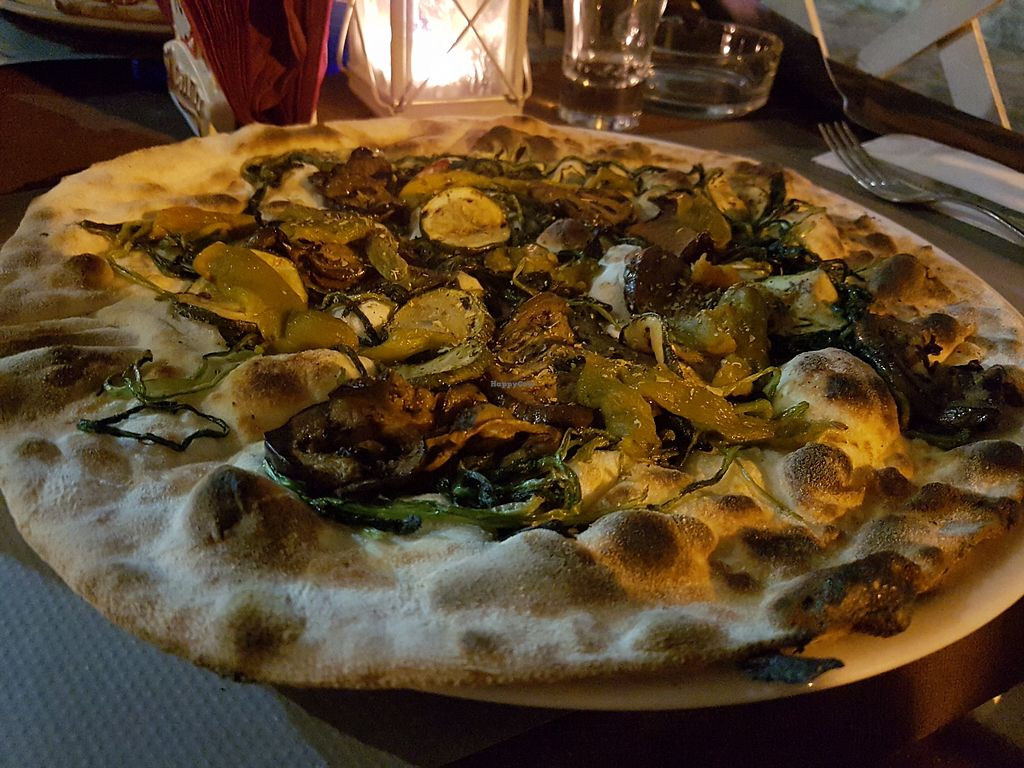 """Photo of Pizzeria Mauro  by <a href=""""/members/profile/Rosa%20veg"""">Rosa veg</a> <br/>Pizza <br/> August 21, 2017  - <a href='/contact/abuse/image/99210/295320'>Report</a>"""
