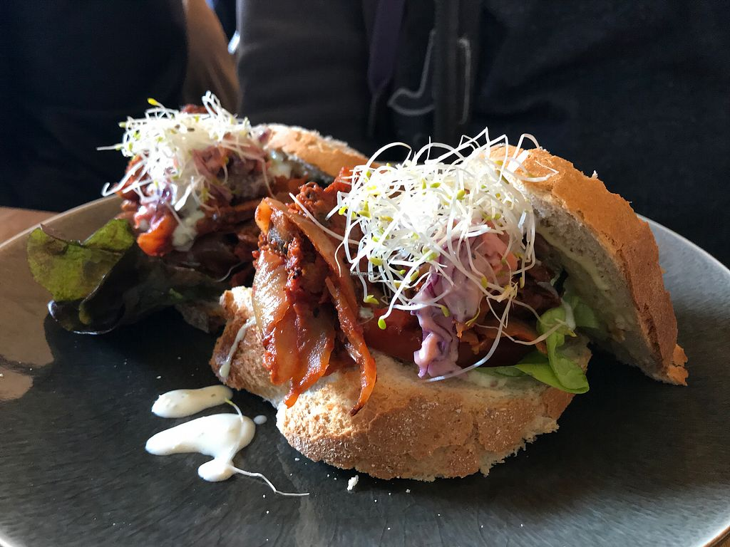 "Photo of Mr. & Mrs. Watson  by <a href=""/members/profile/vlschnk"">vlschnk</a> <br/>jackfruit sandwich  <br/> March 5, 2018  - <a href='/contact/abuse/image/99503/366993'>Report</a>"