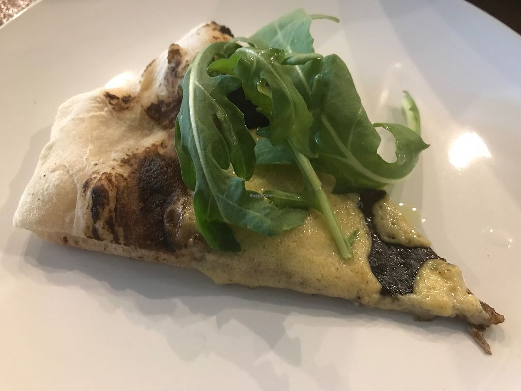 "Photo of Die Pie  by <a href=""/members/profile/Mon7que"">Mon7que</a> <br/>Black truffle and garlic pizza with hemp havarti cheese. So so good and must order this one!!! :)  <br/> August 29, 2017  - <a href='/contact/abuse/image/99651/298621'>Report</a>"