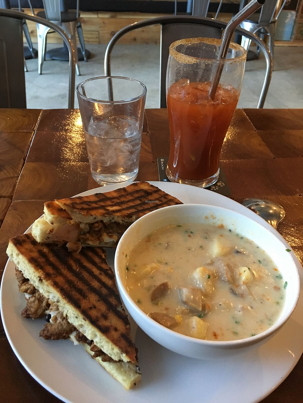 "Photo of Die Pie  by <a href=""/members/profile/loopyandlumpy"">loopyandlumpy</a> <br/>Grilled 'Cheese' and 'Lobster' soup <br/> January 8, 2018  - <a href='/contact/abuse/image/99651/344208'>Report</a>"