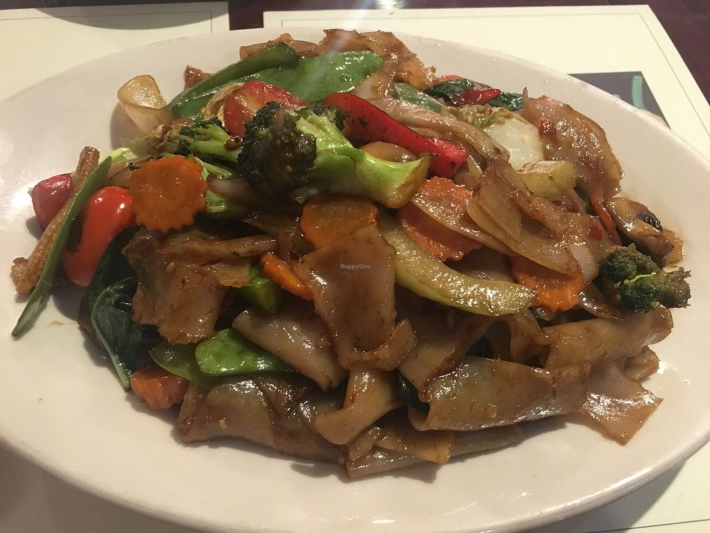 """Photo of EZ Thai Too  by <a href=""""/members/profile/MyGreenTongue"""">MyGreenTongue</a> <br/>Drunken noodles  <br/> September 9, 2017  - <a href='/contact/abuse/image/99678/302741'>Report</a>"""