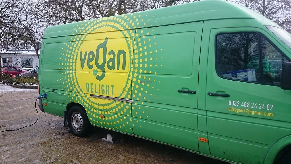 "Photo of CLOSED: Vegan Delight - Food Truck  by <a href=""/members/profile/chb-pbfp"">chb-pbfp</a> <br/>Food truck at Marché vegan de Namur <br/> December 11, 2017  - <a href='/contact/abuse/image/99783/334579'>Report</a>"