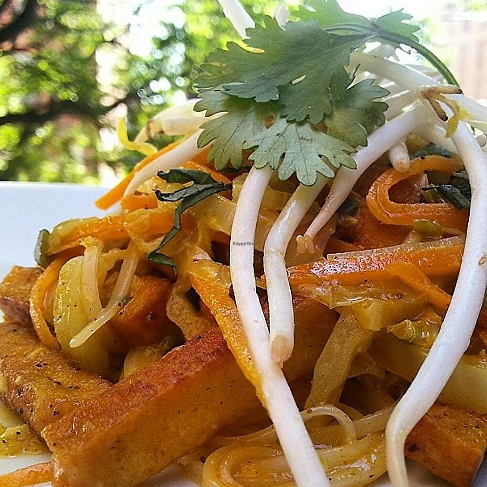 "Photo of Tapas 177  by <a href=""/members/profile/community5"">community5</a> <br/>Vegan coconut curry tofu with cabbage, carrots, soba noodles and sprouts  <br/> September 1, 2017  - <a href='/contact/abuse/image/99833/299641'>Report</a>"