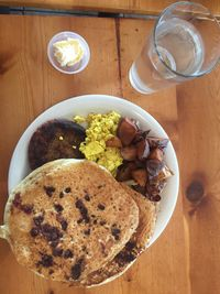 "Photo of Vertical Diner  by <a href=""/members/profile/Ctvegan"">Ctvegan</a> <br/>All day breakfast with choc chip pancakes! <br/> July 11, 2017  - <a href='/contact/abuse/image/10637/279286'>Report</a>"