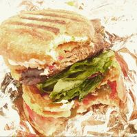 "Photo of Cafe Blossom - Upper West Side  by <a href=""/members/profile/Lia%20Argolo"">Lia Argolo</a> <br/>burger <br/> November 16, 2015  - <a href='/contact/abuse/image/12172/125206'>Report</a>"