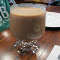 """Photo of CLOSED: V Note  by <a href=""""/members/profile/From%20A%20to%20Vegan"""">From A to Vegan</a> <br/>Frappe espresso, chocolate & vanilla ice cream <br/> May 31, 2011  - <a href='/contact/abuse/image/23368/8864'>Report</a>"""
