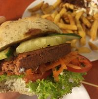 """Photo of De Vegetarische Snackbar  by <a href=""""/members/profile/StrilliVanilli"""">StrilliVanilli</a> <br/>great burger and great fries <br/> August 25, 2015  - <a href='/contact/abuse/image/37902/115191'>Report</a>"""