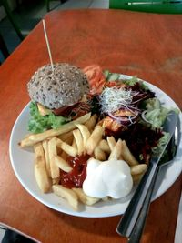 """Photo of De Vegetarische Snackbar  by <a href=""""/members/profile/wyrd"""">wyrd</a> <br/>dvs burger menu <br/> September 28, 2017  - <a href='/contact/abuse/image/37902/309295'>Report</a>"""