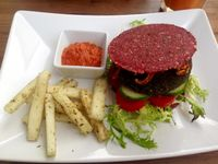 "Photo of Plevel  by <a href=""/members/profile/NikuskaRawPassion"">NikuskaRawPassion</a> <br/>Raw vegan burger with raw fries and ketchup <br/> May 30, 2015  - <a href='/contact/abuse/image/39637/104159'>Report</a>"