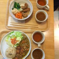 "Photo of LIMA - Shinjuku  by <a href=""/members/profile/agnest"">agnest</a> <br/>Chinese style lunch bowl and Japanese curry.  <br/> January 9, 2016  - <a href='/contact/abuse/image/43583/131601'>Report</a>"