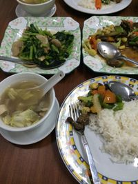 "Photo of Soe Pyi Swar Vegetarian Centre  by <a href=""/members/profile/Plantpower"">Plantpower</a> <br/>Main dishes with rice and soup <br/> March 23, 2015  - <a href='/contact/abuse/image/9963/96624'>Report</a>"