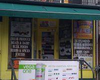 "Outside<br/>                 <a href=""/reviews/baldwin-natural-foods-toronto-1366"">Baldwin Natural Foods</a><br/> September 15, 2012"