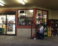 "harp man outside the entrance<br/>                 <a href=""/reviews/hawaiian-moons-kihei-1920"">Hawaiian Moons Market</a><br/> June 28, 2014"