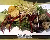"Salade Niçoise with Nori-Cucmber Rolls, Marinated Cherrytomatoes, Green Beans, Pesto Potatoes<br/>                 <a href=""/reviews/lucky-leek-berlin-26241"">Lucky Leek</a><br/> July 16, 2012"