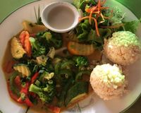 """deluxe vegetable curry <br/>                 <a href=""""/reviews/fresh-mint-paia-3267"""">CLOSED: Fresh Mint</a><br/> June 23, 2014"""