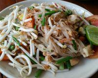 """phad Thai<br/>                 <a href=""""/reviews/anchan-chiang-mai-34920"""">Anchan Vegetarian Restaurant</a><br/> June 15, 2016"""