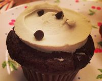 "chocolate mint brownie cupcake<br/>                 <a href=""/reviews/erin-mckennas-bakery-new-york-city-6912"">Erin McKenna's Bakery</a><br/> January 1, 2014"