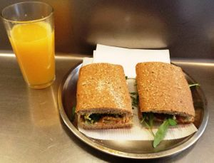 """Photo of CLOSED: Juicy Jones - Cardenal  by <a href=""""/members/profile/Fer"""">Fer</a> <br/>Seitan Sandwich with caramelized garlic <br/> March 1, 2014  - <a href='/contact/abuse/image/1108/65001'>Report</a>"""